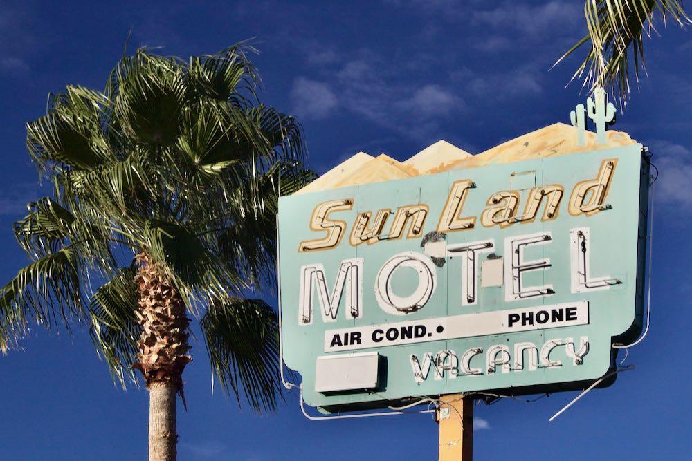 Tucson Arizona Sun Land Motel neon sign
