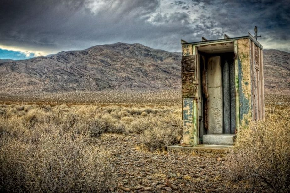 ratty old shack in the desert-scams on airbnb